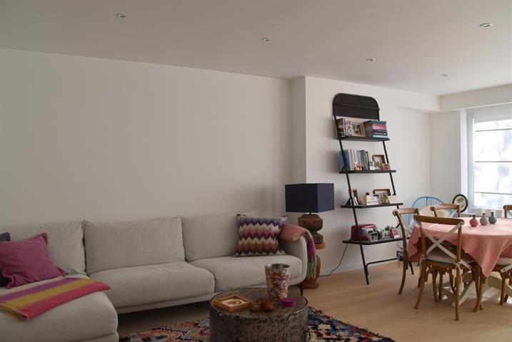 Gerenoveerd appartement met 1 slaapkamer en terras!