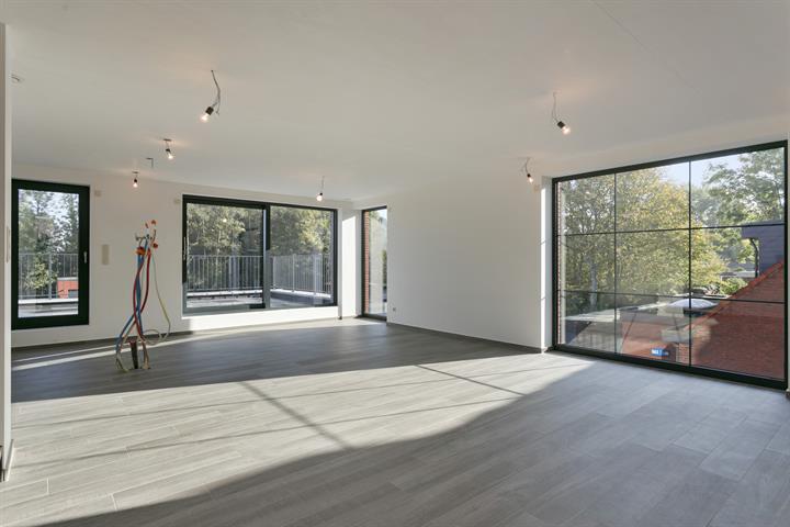 Nieuwbouw duplex met 3 slpk. en garagebox met hoogwaardige afwerking