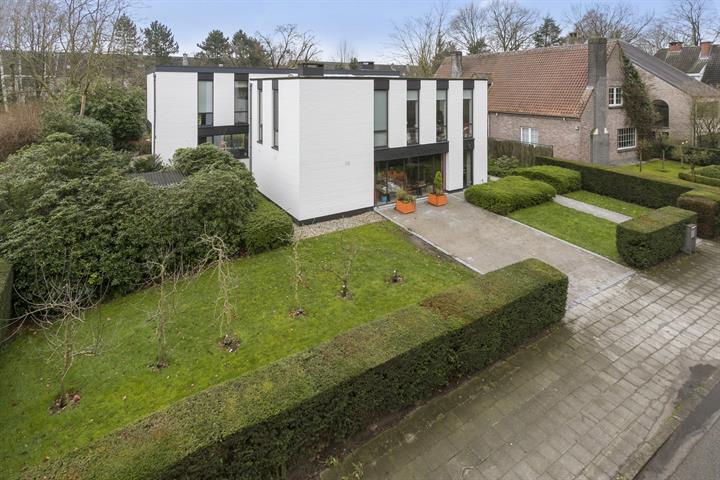 Prachtige villa tegenover Gemeentelijk Park te Boom!